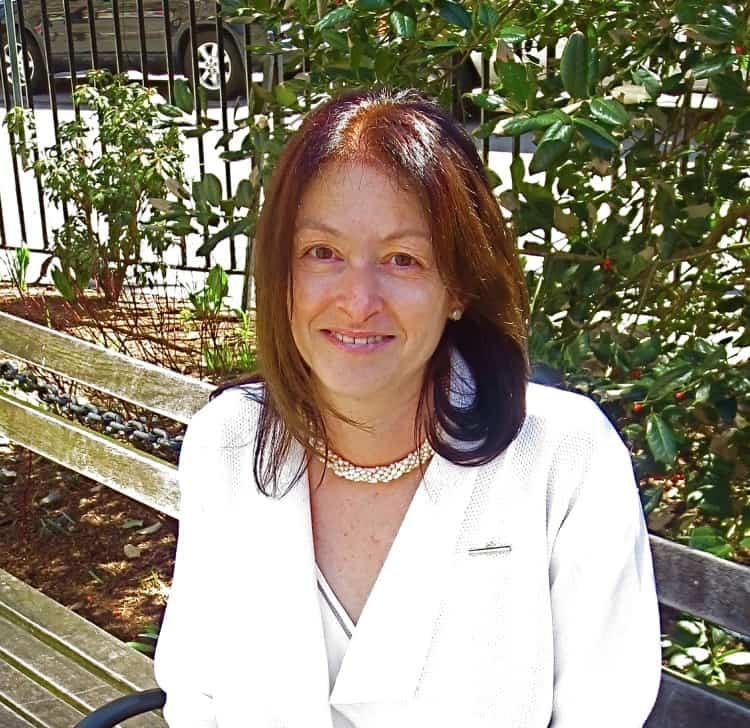 Caroline Benveniste '83